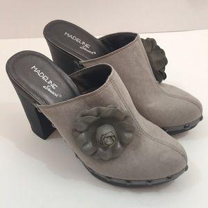 Madeline Stuart Shasta Clogs size 7